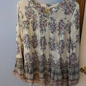 Bell-sleeve floral top